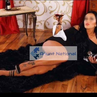 escorta reala poze reale luxury brunette high class escort